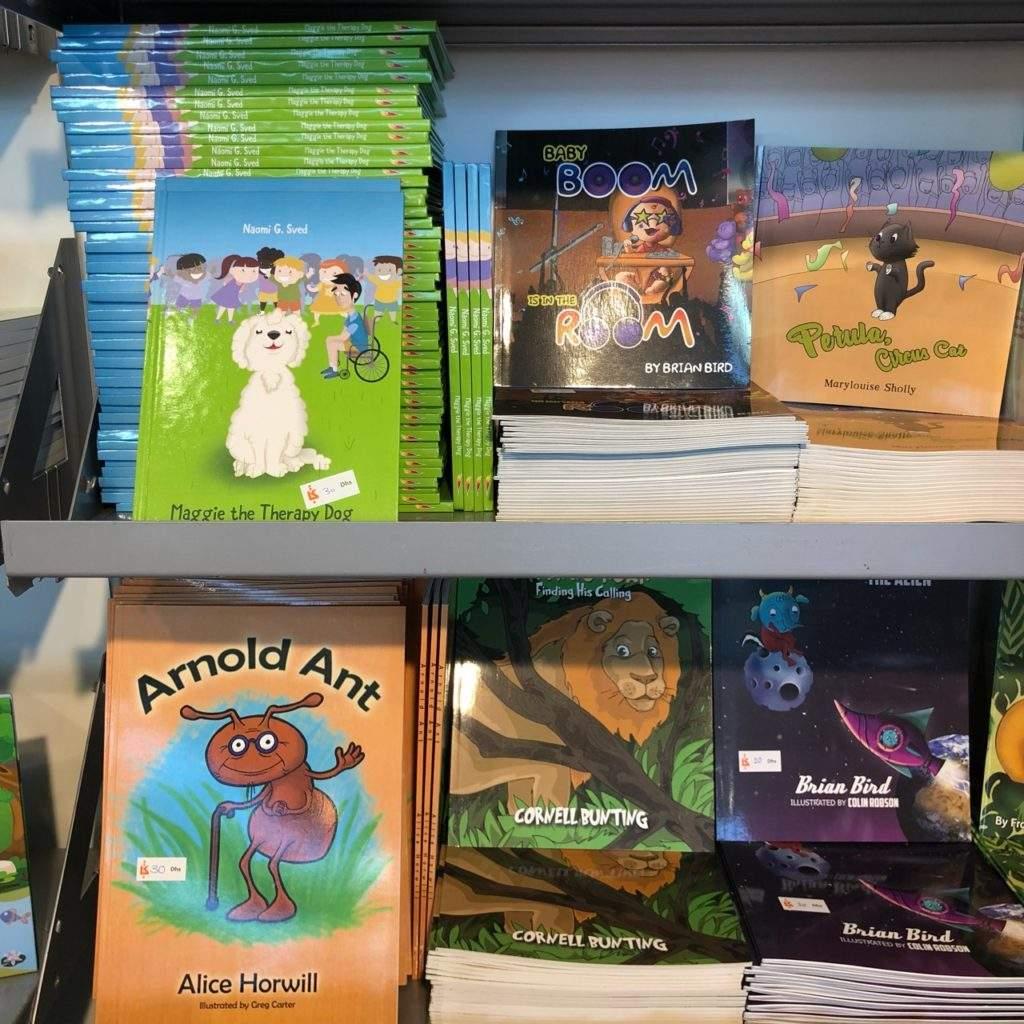 أوستن - ماكولي - في - معرض - الشارقة- الدولي-للكتاب